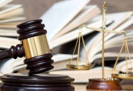 CCR a amanat dezbaterile asupra sesizarilor privind Codul penal si Codul de procedura penala