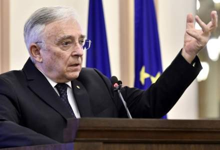 Mugur Isarescu, BNR: Indatorarea tarii arata bine, datoria nu a crescut ca pondere in PIB