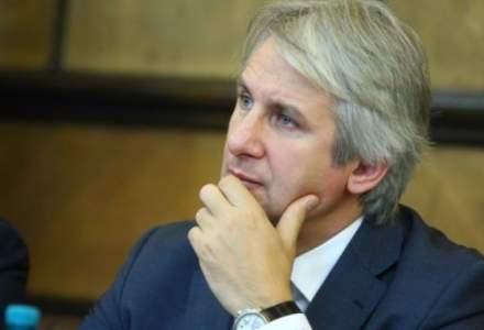 Teodorovici, despre studenti: Nu ar fi corect ca dupa terminarea facultatii sa ramana sa lucreze in tara?