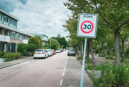 Limita de viteza 30 km/h la Bruxelles. Soferii spun ca masinile nu sunt optimizate pentru aceasta viteza