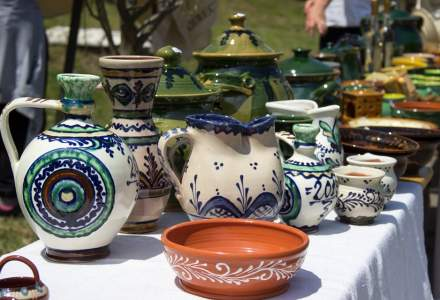 FOTO Frumos. Ceramic. Folositor. la Muzeul Astra din Sibiu: Targul de olarit care provoaca mestesugarii si vizitatorii