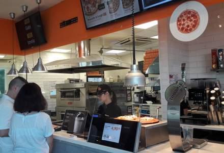 Cum ajunge pizza la tine acasa? De la comanda la bacsisul curierului - reportaj din pizzeria Dodo Pizza