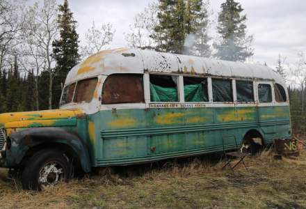 O femeie a decedat incercand sa ajunga la autobuzul abandonat care apare in filmul ''Into the Wild''