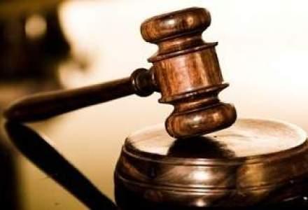Un avocat entry-level castiga 1.000 de euro