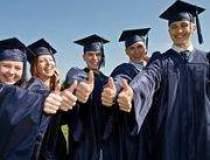 Tinerii absolventi pariaza pe...