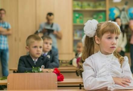 """Guvernul taie un miliard de lei de la bugetul Educatiei. Banii erau destinati programului """"Merg la Scoala"""""""