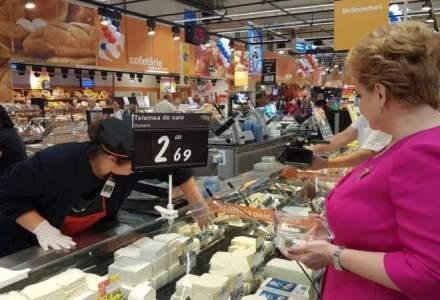 Carrefour reinvie comertul de alta data cu produse vrac si sticle sau borcane returnabile