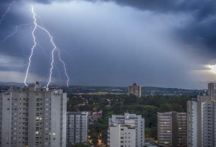 Alerta Meteo: Cod galben de furtuni in 17 judete