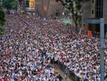 Hong Kong: Sute de...