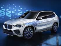 BMW prezinta un X5 adaptat la...