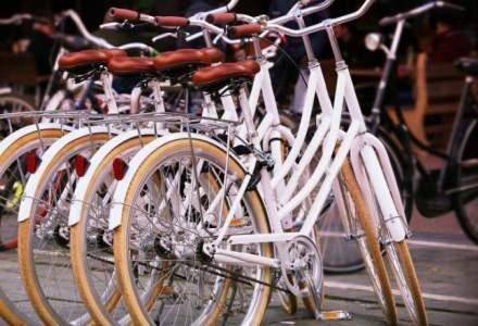 Cladirile publice, pietele, autogarile ar putea fi dotate cu structuri pentru parcarea bicicletelor