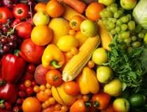 Mancam multe legume si fructe...