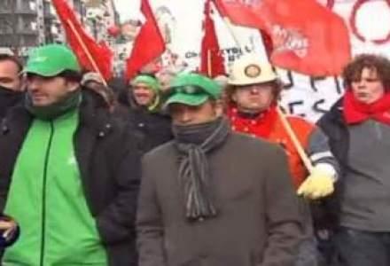 Peste 30.000 de oameni au protestat la Bruxelles fata de politicile de austeritate belgiene