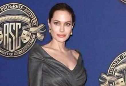 Fratii Coen vor scrie scenariul unui film regizat de Angelina Jolie