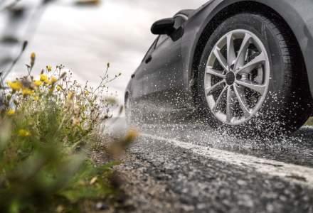 Cum sa evitati acvaplanarea in timpul ploilor abundente