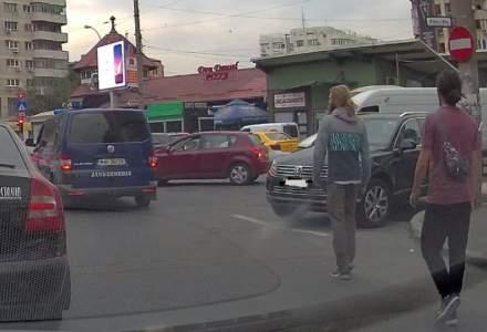 Agresorii din trafic, retinuti. Droguri gasite in locuintele lor