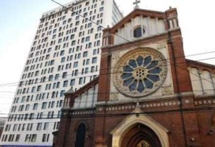 Arhiepiscopia Romano-Catolica: Cathedral Plaza va fi demolat indiferent de proprietar