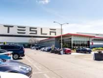 Tesla, aproape sa...