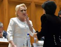 Parlament: Opozitia a depus...