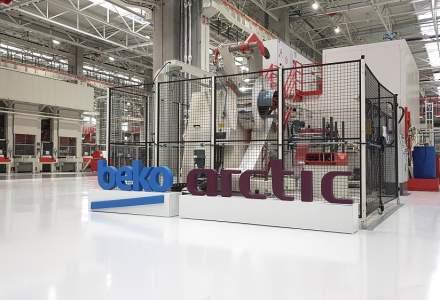 """In fabrica Arctic de 150 mil. euro, unde robotii """"vorbesc"""" intre ei si construiesc 6.000 de masini de spalat pe zi"""