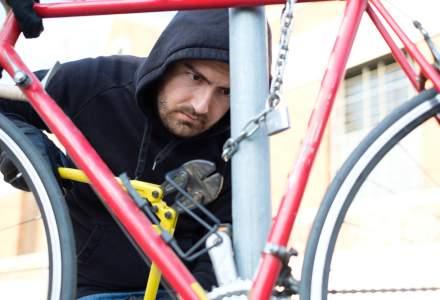 Perchezitii la o banda de hoti de biciclete din Brasov