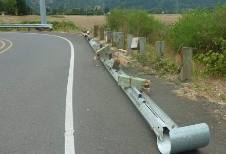 Nou accident grav: Carambol intre doua tiruri, un microbuz, camioneta si doua masini
