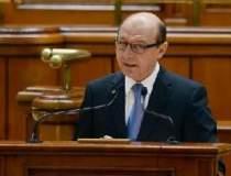 Basescu surprinde in...