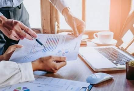 Iohannis cere reexaminarea Legii de modificare a Codului muncii referitoare la amenzile privind munca suplimentara