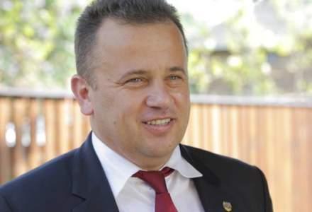 """Liviu Pop: Ministerul Educatiei este condus de """"baronii manualelor"""". Presedintele si toti premierii stiu. Si DNA stie"""