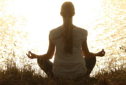 Stresul elevilor si profesorilor poate fi combatut prin meditatie transcedentala