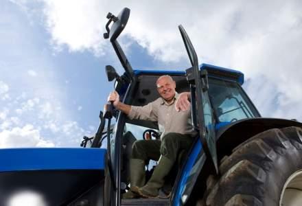 """Meseriasi greu de gasit: tractoristii. Salariile oferite urca pana la 5.000 de lei, insa nu """"bat"""" ofertele din afara"""