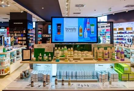 Douglas a deschis cea mai mare parfumerie din Romania