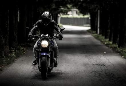 USR Bucuresti ii cere Gabrielei Firea sa suspende o licitatie pentru achizitia de motociclete destinate Politiei Locale