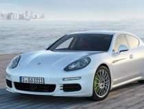 Porsche aduce in gama in...