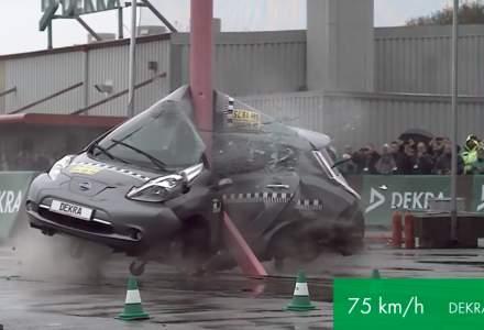 Sanse mici de supravietuire intr-o masina electrica in cazul unui impact lateral la o viteza de 75 km/h