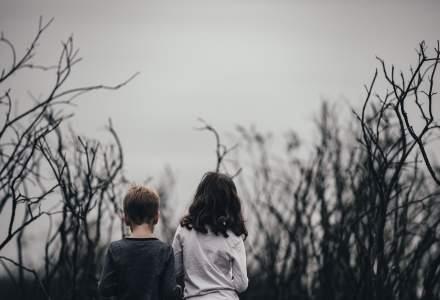 RAPORT Salvati Copiii: Peste o treime dintre copiii din Romania traiesc sub pragul saraciei si 150.000 adorm flamanzi
