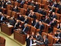Sedinta comuna la Parlament...