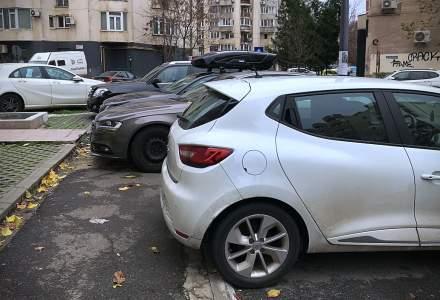 Parcarea pe trotuare in Romania este interzisa, dar permisa