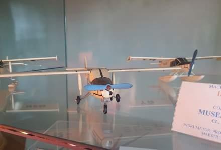 """Muzeul aviatic de la Pucioasa, atractia care """"traieste"""" datorita Fabricii de globulete din zona"""