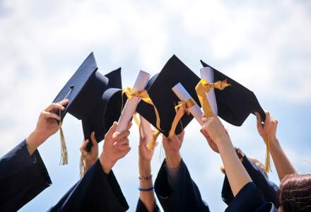 Studiu HPDI: 1 din 2 manageri romani considera ca facultatea l-a ajutat sa obtina un loc bun de munca
