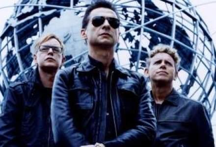 Depeche Mode canta la Bucuresti pe o scena unica in lume: 140 de muncitori lucreaza la asamblarea ei