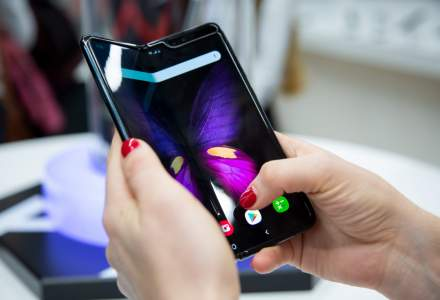 Samsung dezvaluie cate Galaxy Fold a vandut