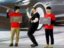 Video: Elon Musk, dans pe...