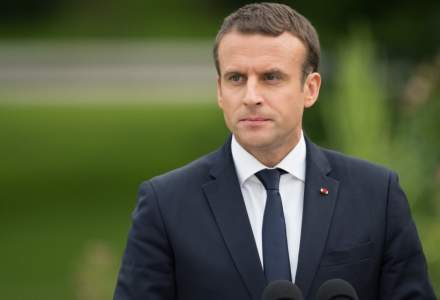 Avion ucrainean doborat: Zelenski si Macron au convenit ca specialistii francezi sa ajute la decodarea cutiilor negre