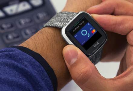 Clientii BCR pot plati acum la POS si in curand la metrou cu ceasuri inteligente dupa ce banca a incheiat parteneriate cu Fitbit Pay si Garmin Pay