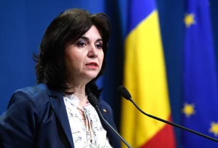 Ministrul Educatiei, dupa vizita la scolile din Ialomita: As fi vrut sa fiu mai calma in interactiunea cu doamna invatatoare, imi pare rau