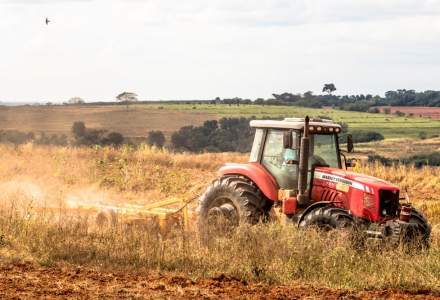 Vesti bune pentru fermieri: Peste 400 mil. lei au fost aprobate pentru a fi alocate cu scopul reducerii accizei la motorina