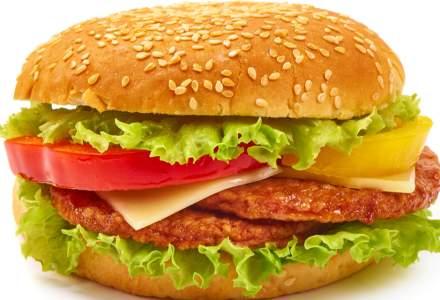 Carnaciori oltenesti sau McMici? McDonald's se indreapta tot mai mult spre specificul romanesc
