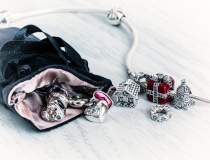 Brandul de bijuterii Pandora...