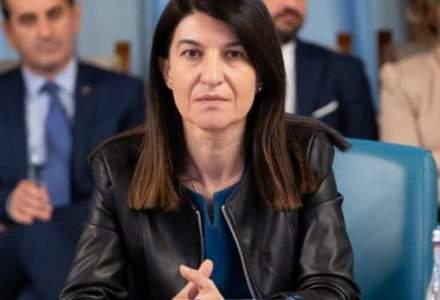 [FOTO] Ministrul Muncii acuza PSD ca posteaza in numele ei fake news